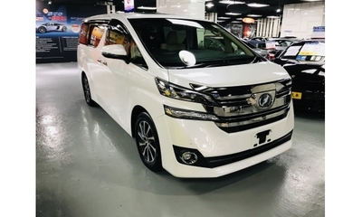 TOYOTA VELLFIRE EXECUTIVE LOUNGE 0首登記 17年製造 V6引擎(3,456c.c.) 274匹馬力 6速CVT+- Keyless 玻璃雙天窗 Xenon燈 中排